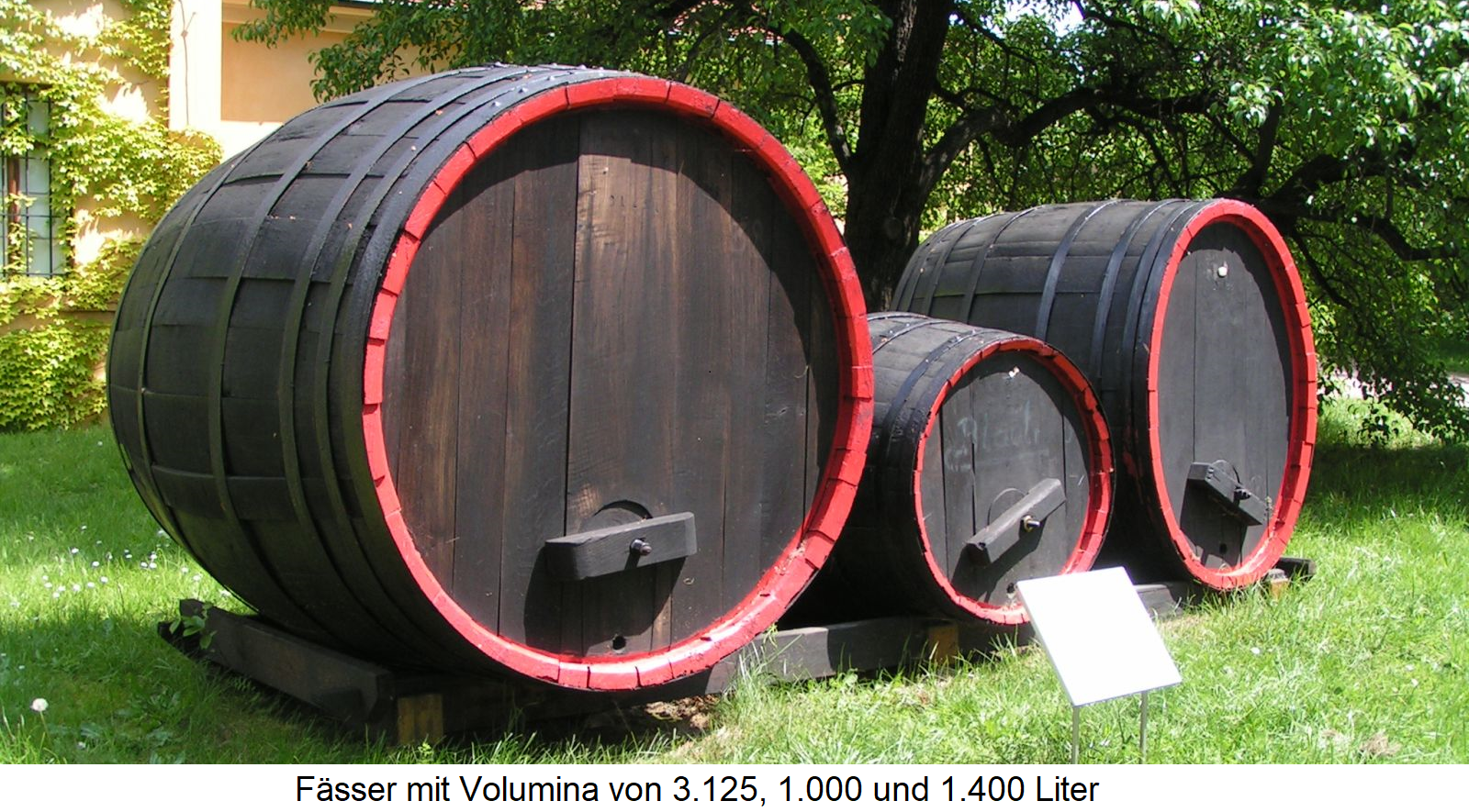 Fuder - drums with 3,125, 1,000 and 1,400 liters