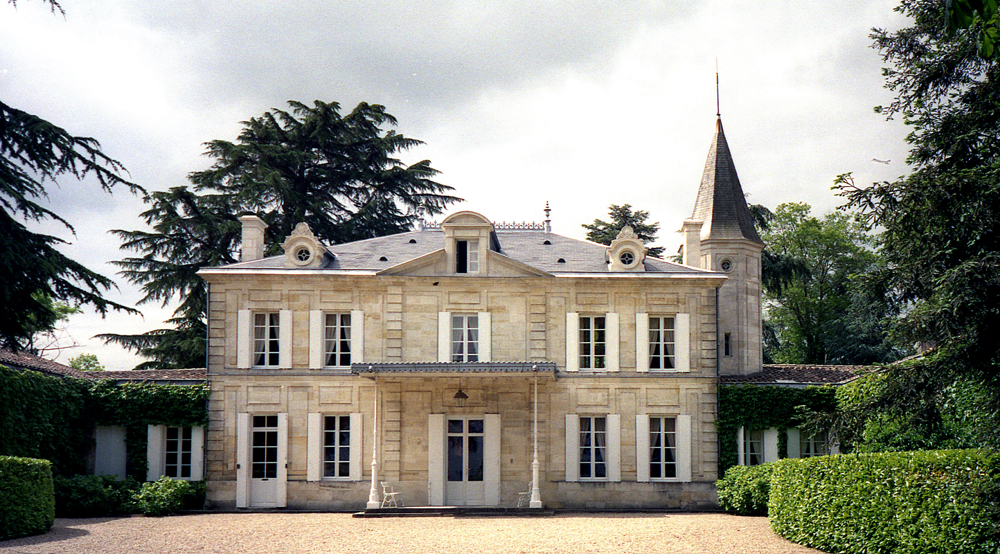 Château Cheval Blanc - winery building