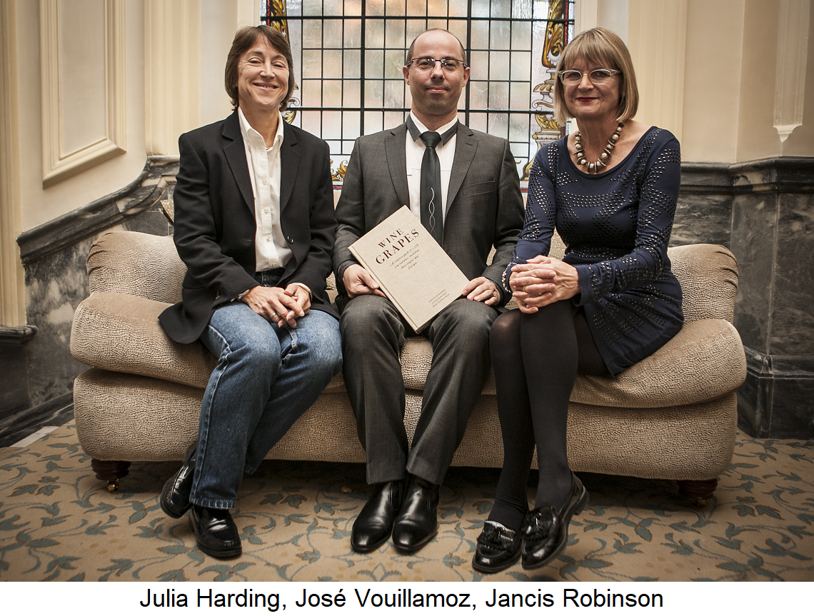 Wine Grapes - Photo with Julia Harding, José Vouillamoz, Jancis Robinson