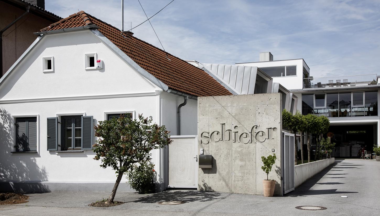 Schiefer Uwe - winery building