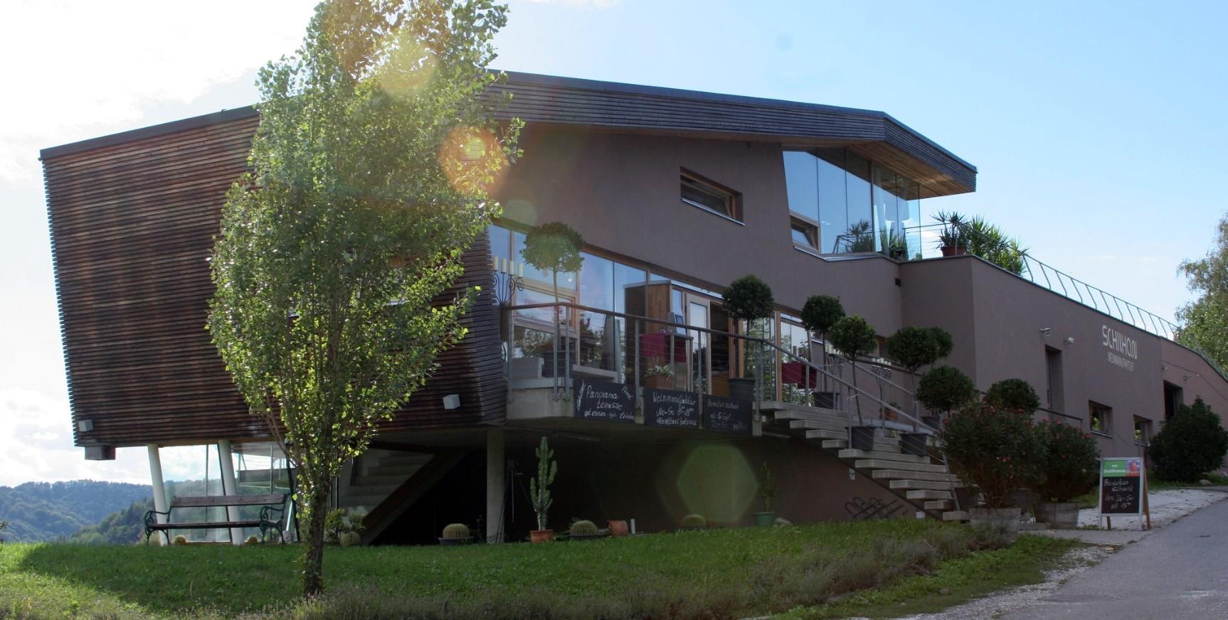 Schilhan - Weingus building