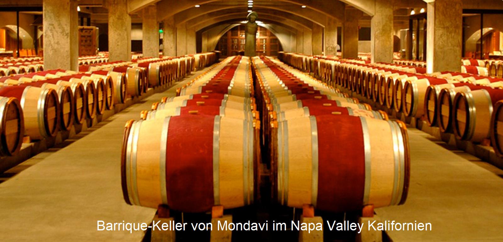 größte Weinfirmen - Barriquekeller-Mondavi-Winery im Napa Valley Kalifornien