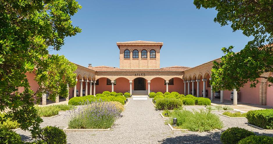 Pago Aylés - winery building