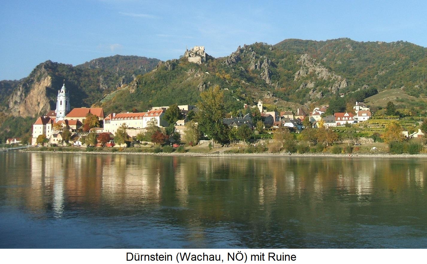 Dürnstein with ruin (Wachau)
